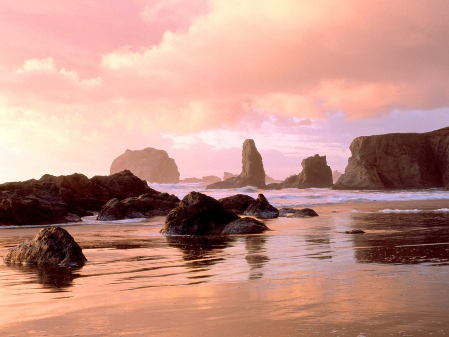 Bandon Beach is one of the best places to elope in Oregon
